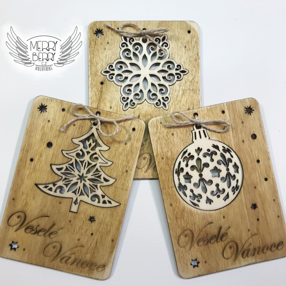 Vánoční přání ze dřeva s ozdobou